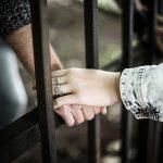 家族が強制性交等罪で逮捕!?家族がするべきこととは